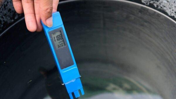 medidor de EC en agua